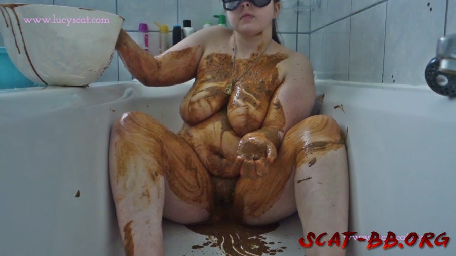 Shit and piss soup poured over my body (LucyScat) 1 January 2019 [HD 720p] 1.01 GB