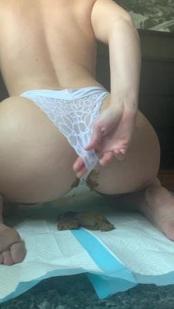 This panty poop turned real messy (Natalielynne699) 22 June 2020 [UltraHD 2K] 455 MB